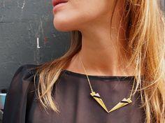 Collier éclairs, symétrique, bicolore, triangle cuir, moderne mode tendance plaqué or