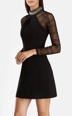 Karen Millen | Noir Robe avec encolure ornée de strass et manches en dentelle