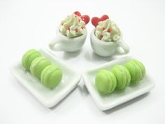 Dollshouse Miniatures Food Set 2 Serving Macaroon by WowMiniature