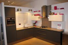 Grando Keukens Middelburg : Beste afbeeldingen van showroomkeukens fashion showroom
