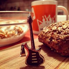 New photo online Allen einen schönen guten Morgen  #gutenmorgen #potsdam #babelsberg #fruehstueck #frühstück #breakfast #musicphotographer #musicphotography #musicproducer #picoftheday #pictureoftheday #musiccomposer #brötchen #kaffee #coffee #coffeetime Hope you like it