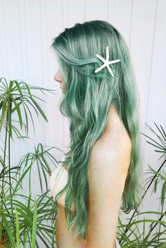 starfish clip green hair #urbanglamilano #colorful #hairstyle #hair #girl #fashion #trend #starfich #green #mermaids #romantic #fairytales