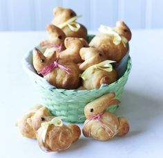 Easter bunny crumpetsrabbit breakfast crumpets easter bunny easter bunny brioche negle Images