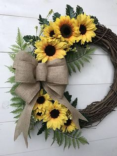 Sunflower burlap wreaths - Sunflower Wreath with Burlap Bow Door Wreath with Sunflowers Year Round Front Door Wreath Farm Wreath Crafts, Diy Wreath, Wreath Ideas, Wreath Burlap, Tulle Wreath, Wreath Bows, Wreath Making, Grapevine Wreath, Boxwood Wreath