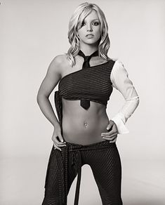 Britney Spears photoshoot by Stephen Klein in Britney Spears Pictures, Baby One More Time, Britney Jean, The Most Beautiful Girl, Beautiful Women, Black N White, Gal Gadot, Celebs, Celebrities