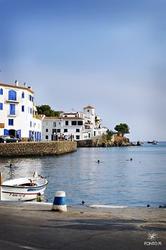 CATALUÑA -GERONA - Cadaqués - Cap de Creus https://www.airbnb.es/s/cap-de-creus?sw_lat=42.281154355749386&sw_lng=3.2702287055485613&ne_lat=42.29802369211956&ne_lng=3.2919438697331316&zoom=15&search_by_map=true