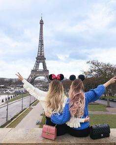 Adventure, best friends, and bff image Cute Disney Pictures, Bff Pictures, Best Friend Pictures, Best Friends Shoot, Best Friend Poses, Eiffel Tower Photography, Paris Photography, Travel Photography, Best Friend Drawings