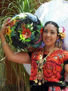 Woman from Istmo de Tehuantepec, oaxaca, Mexico