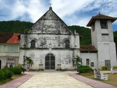Boljoon Church - http://www.toploadingforlife.com/what-youll-find-while-motorcycling-through-the-south-of-cebu/