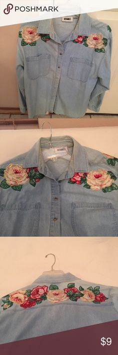 PRETTY GITANO  DENIM SHIRT WTH HAND PAINTED ROSES Very nice, gently worn, long sleeve shirt wth hand painted roses. Size M Gitano Jackets & Coats