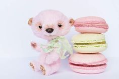 Strawberry Macaroon by AABears by Nata Litun, love love love <3
