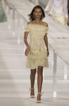 http://www.livingly.com/runway/Chanel/Paris Fashion Week Spring 2004/swhseQrx4-P