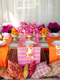 Projects and Ideas for Creating a Bohemian-Style Wedding pink and orange table scenery Pink Table Settings, Wedding Table Settings, Place Settings, Exotic Wedding, Diy Wedding, Wedding Trends, Yard Wedding, Orange Wedding, Wedding Reception