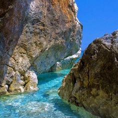 Pelion rocks Greece <3