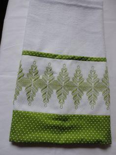 Huck Towels, Swedish Embroidery, Chicken Scratch Embroidery, Swedish Weaving, Embroidered Clothes, Ribbon Work, Bargello, Needlework, Cross Stitch