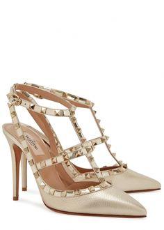 680546d5f3 Valentino Pumps Rockstud 740€ Valentino Rockstud Heels, Valentino Designer,  Gold Leather, Gold