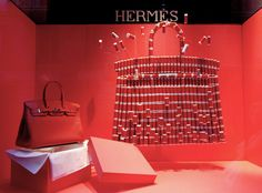 Hermès reels visual merchandising