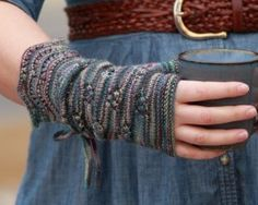 Free pattern for Lady Violet's Dinner Gauntlets, inspired by Downton Abbey. :)