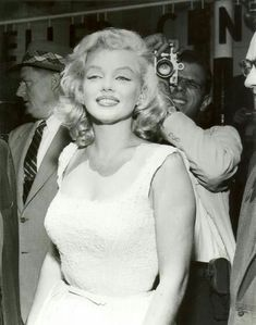 Marilyn Monroe pictures and photos Old Hollywood, Hollywood Glamour, Hollywood Stars, Classic Hollywood, Marilyn Monroe Photos, Marylin Monroe, Actrices Hollywood, Norma Jeane, Ikon