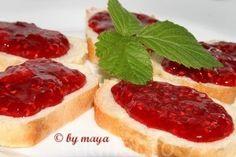 -Marmelada de zmeura- 1 kg zmeura 1 kg zahar cu pectina( GelierZucker 1 : 1 Dr Oetker ) 1 lamîie Um mod simplu de a prepara marmelade. Maya, Romanian Food, Food Cakes, Cake Recipes, Cheesecake, Desserts, Cakes, Tailgate Desserts, Deserts