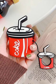 Cute Coke Airpods Case is make of soft silicone, can protect your airpod from scratches and scrapes. This case are suitable for First and second generation airpods. Cute Cases, Cute Phone Cases, Iphone Phone Cases, Fone Apple, Airpods Apple, Apple Watch Bands Fashion, Accessoires Iphone, Earphone Case, Airpod Case