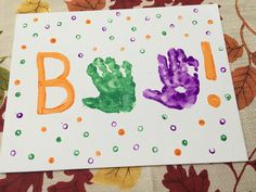 This adorable handprint craft makes for a simple Halloween activity for the kids. This activity is perfect for toddlers, preschoolers, and beyond!