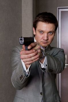 Jeremy Renner as Special Agent William Brandt in Mission Impossible Ghost Protocol Jeremy Renner, American Hustle, The Avengers, Avengers Actors, Mission Impossible Ghost, Ghost Protocol, Submariner Watch, Cw Series, Actor