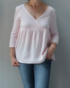 Blouse Eugénie - Atelier Scammit Diy Clothes, Clothes For Women, Creation Couture, Couture Tops, Tee Shirts, Tees, Dressmaking, Casual Outfits, Sewing