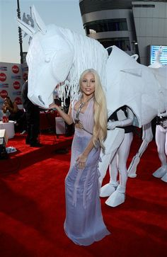 #LadyGaga attends the 2013 American Music Awards. See more celebs on Wonderwall: See http://on-msn.com/1814ZSJ