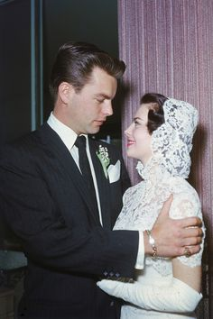 Robert Wagner and Natalie Wood's first wedding ~ 28 Dec 1957
