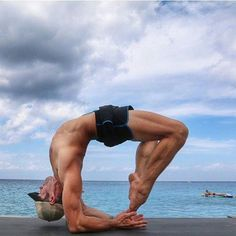 #LL @LUFELIVE #thepursuitofprogression Hardcore Yoga