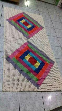 Crochet Table Mat, Baby Blanket Crochet, Crochet Carpet, Preschool Crafts, Diy And Crafts, Craft Projects, Crochet Patterns, Kids Rugs, Knitting