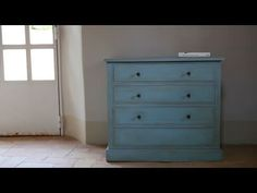 Crea Decora Recicla by All washi tape Classic Furniture, Diy Videos, Washi Tape, Chalk Paint, Ideas Para, Decoupage, Sweet Home, Room, Painting