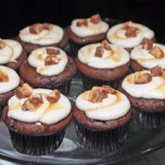 Snickers Cupcakes...deeeelish!