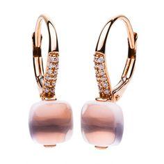 STEINER EXKLUSIV - Schmuck für besondere Anlässe  Weniger ist mehr - Diese wunderschönen Ohrhänger könnten luxuriöser nicht sein. Roségold, Brillant und Rosenquarz werden hier zu einem einzigartigem Schmuckstück verarbeitet. Der zarte Rosaton schmeichelt einfach jedem Hauttypen. Dieser ganz besondere Stein, ein Rosenquarz, ist ein wichtiger Schutzstein gegen Strahlen. Außerdem ist der Rosenquarz ein Stein, der die Liebe symbolisiert. Der 18kt Rotgold Ohrringe mit Rosenquarz sind ein ganz… 18th, Earrings, Jewelry, Fashion, Pink, Rose Gold Earrings, Prove Love, Pink Quartz, Beams