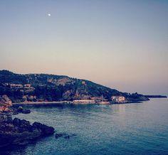 Take me back to Greece… #peloponnese #greece #sunset #harbour #port #boat #fishing #mani #moon #beautiful #kardamili  (at Kardamyli)
