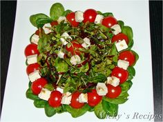 A mixture of food, sweets, feelings and thoughts Caprese Salad, Christmas Wreaths, Avocado, Erika, Holiday Decor, Recipes, Food, Salads, Lawyer