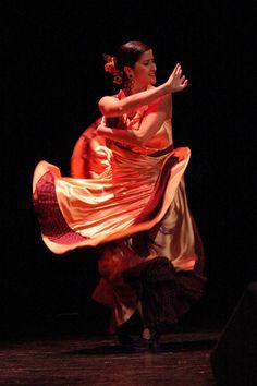 Baila flamenco!