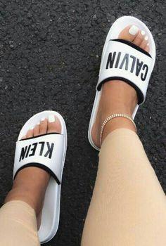 cbb6bcef72fa Follow  SlayinQueens for more poppin pins ❤ ⚡ ✨ Nike Noir