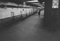 Stanley Kubrick em seus 17 anos de idade, em metrô de Nova York - Stefany