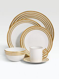Love this gold/dot bordered dinnerware. Perfect for the holidays!