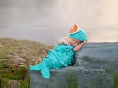 Mermaid crocheted baby outfit AND THIS ONE!!! I'm so getting this for my next girl :)