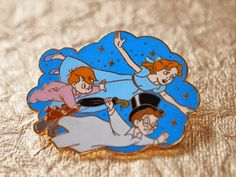Peter Pan ~ Wendy flying Disney pin!