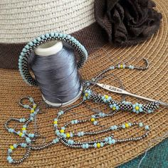 Turbular bead crochet,with needle holder pendant. Crochet Beaded Necklace, Crochet Bracelet, Beaded Earrings, Beaded Jewelry, Handmade Jewelry, Bead Crochet Patterns, Bead Crochet Rope, Beading Patterns, Beading Tutorials