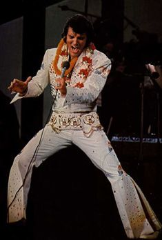 Elvis on stage 70's