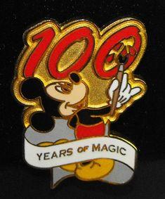 Mickey painting Disney pin