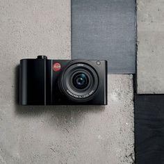 Компания Leica Camera AG анонсировала выпуск новой камеры Leica TL2. Встречайте! Одной из ключевых особенностей Leica TL2 является значительно улучшенная скорость и точность автофокусировки. Еще одним новшеством является электронный затвор который позволяет делатьснимки бесшумно с выдержкой до 1/40000 сек и увеличивает частоту кадров при непрерывной съемке с 7 до 20 кадров в секунду.  Say hello to the brand-new Leica TL2!Discover the instinctive use clever individualization and the pure joy…