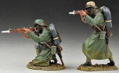 World War 1 German Army GW028B Stormtroopers in Gas Masks Firing Rifles - Made by Thomas Gunn Military Miniatures and Models. Factory made, hand assembled, painted and boxed in a padded decorative box. Excellent gift for the enthusiast.