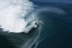 Incredible Aeriel Footage of Surfers in Teahupo'o