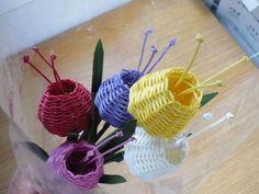 Tejiendo en papel: Manualidad multicolor
